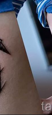Пример татуировки с лебедем – фото для статьи про значение тату  41