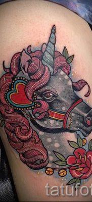 Пример фото с классной тату единорог для статьи про значение тату 10