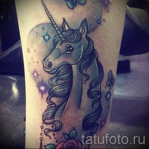 Пример фото с классной тату единорог для статьи про значение тату 19