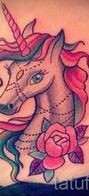 Пример фото с классной тату единорог для статьи про значение тату 21