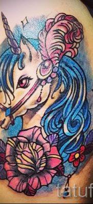 Пример фото с классной тату единорог для статьи про значение тату 29