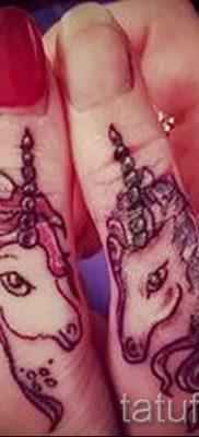 Пример фото с классной тату единорог для статьи про значение тату 34