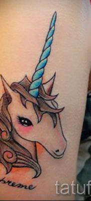 Пример фото с классной тату единорог для статьи про значение тату 65