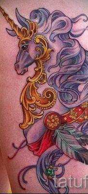 Пример фото с классной тату единорог для статьи про значение тату 71