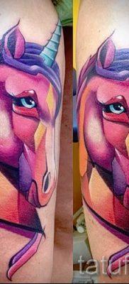 Пример фото с классной тату единорог для статьи про значение тату 77