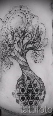 Тату дерево жизни фото для статьи про значение татуировки  50