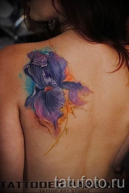 Фото пример тату ирис для статьи про значение татуировки с ирисом 3