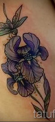 Фото пример тату ирис для статьи про значение татуировки с ирисом 8