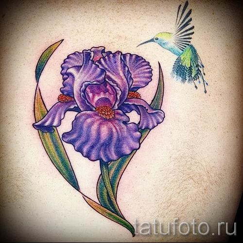 Фото пример тату ирис для статьи про значение татуировки с ирисом 9