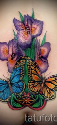 Фото пример тату ирис для статьи про значение татуировки с ирисом 16