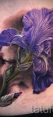 Фото пример тату ирис для статьи про значение татуировки с ирисом 18