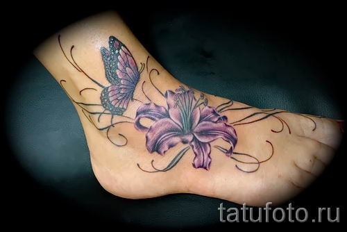 Фото пример тату ирис для статьи про значение татуировки с ирисом 37