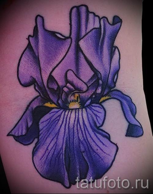 Фото пример тату ирис для статьи про значение татуировки с ирисом 41