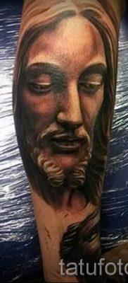 Фото тату Иисуса Христа для статьи про значение татуировки Иисус – tatufoto.ru – 6