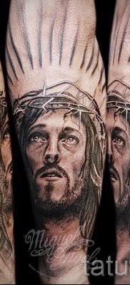 Фото тату Иисуса Христа для статьи про значение татуировки Иисус – tatufoto.ru – 12