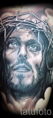 Фото тату Иисуса Христа для статьи про значение татуировки Иисус – tatufoto.ru – 34