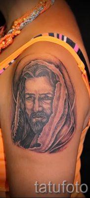 Фото тату Иисуса Христа для статьи про значение татуировки Иисус – tatufoto.ru – 40