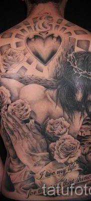 Фото тату Иисуса Христа для статьи про значение татуировки Иисус – tatufoto.ru – 43