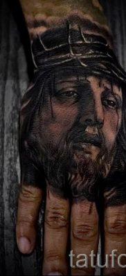 Фото тату Иисуса Христа для статьи про значение татуировки Иисус – tatufoto.ru – 51