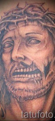 Фото тату Иисуса Христа для статьи про значение татуировки Иисус – tatufoto.ru – 54