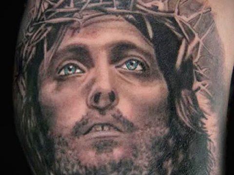 Фото тату Иисуса Христа для статьи про значение татуировки Иисус - tatufoto.ru - 57