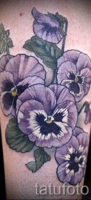 Фото тату анютины глазки для статьи про значение татуировки – tatufoto.ru – 42