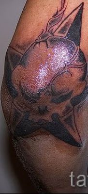 Фото тату звезды на локтях для статьи про значение рисунка татуировки – tatufoto.ru – 10