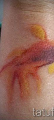 Фото тату золотая рыбка для статьи про значение рисунка татуировки – tatufoto.ru – 15