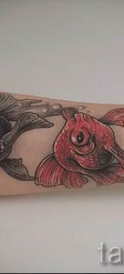 Фото тату золотая рыбка для статьи про значение рисунка татуировки – tatufoto.ru – 26