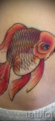 Фото тату золотая рыбка для статьи про значение рисунка татуировки – tatufoto.ru – 33