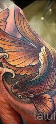 Фото тату золотая рыбка для статьи про значение рисунка татуировки – tatufoto.ru – 48