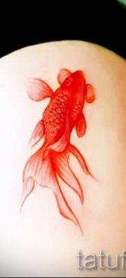 Фото тату золотая рыбка для статьи про значение рисунка татуировки – tatufoto.ru – 51