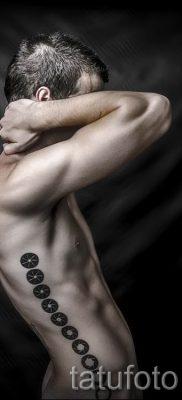 Фото тату круг для статьи про значение татуировки с кругом – tatufoto.ru – 29