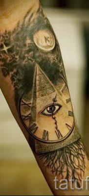 Фото тату пирамида для статьи про значение татуировки с пирамидой – tatufoto.ru – 45