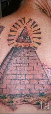 Фото тату пирамида для статьи про значение татуировки с пирамидой – tatufoto.ru – 49