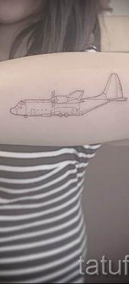 Фото тату самолет для статьи про значение татуировки с самолет – tatufoto.ru – 19