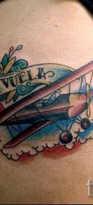 Фото тату самолет для статьи про значение татуировки с самолет – tatufoto.ru – 22