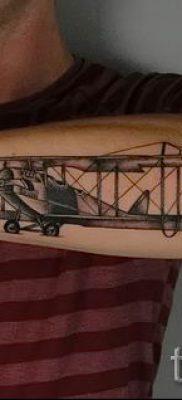 Фото тату самолет для статьи про значение татуировки с самолет – tatufoto.ru – 31