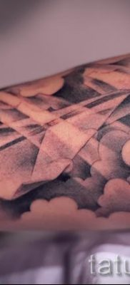 Фото тату самолет для статьи про значение татуировки с самолет – tatufoto.ru – 47