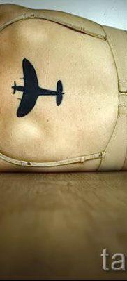 Фото тату самолет для статьи про значение татуировки с самолет – tatufoto.ru – 54