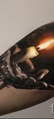 Фото тату свеча для статьи про значение татуировки со свечей – tatufoto.ru – 47
