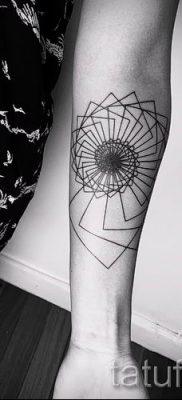 Фото тату спираль для статьи про значение татуировки с этим рисунком – tatufoto.ru – 16