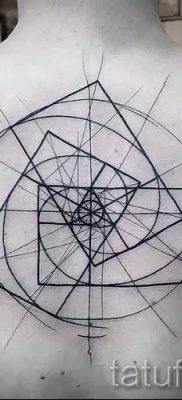 Фото тату спираль для статьи про значение татуировки с этим рисунком – tatufoto.ru – 39