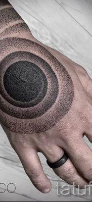 Фото тату спираль для статьи про значение татуировки с этим рисунком – tatufoto.ru – 50