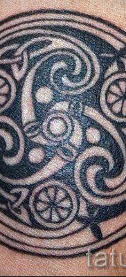 Фото тату спираль для статьи про значение татуировки с этим рисунком – tatufoto.ru – 64