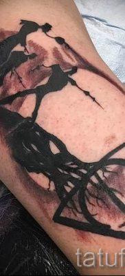 Фото тату тату дары смерти для статьи про значение рисунка татуировки – tatufoto.ru – 5