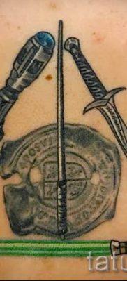 Фото тату тату дары смерти для статьи про значение рисунка татуировки – tatufoto.ru – 23