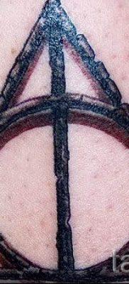 Фото тату тату дары смерти для статьи про значение рисунка татуировки – tatufoto.ru – 33