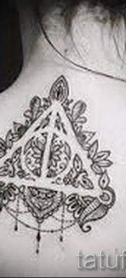 Фото тату тату дары смерти для статьи про значение рисунка татуировки – tatufoto.ru – 43