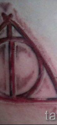 Фото тату тату дары смерти для статьи про значение рисунка татуировки – tatufoto.ru – 50